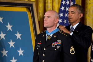 SSG Carter being awarded the MOH